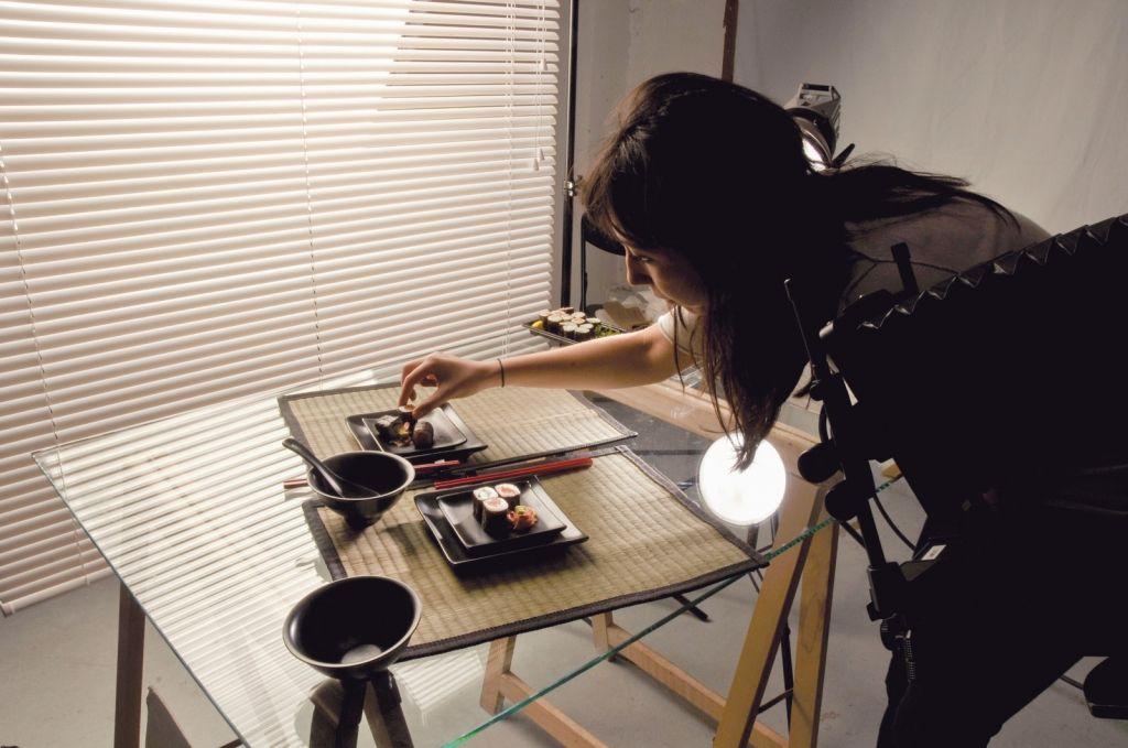 Photographe en studio à l'école Spéos