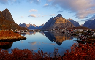 Lofoten - Reine at sunrise