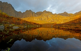 Lofoten - Flakstadøya at sunrise